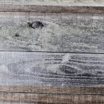Gardez le charme authentique de votre logement grâce au parquet en bois